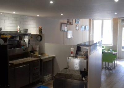 Salle à manger et cuisine - La Forge Gourmande à Beaulieu, restaurant, pizzeria, traiteur, service traiteur, traiteur pour particulier, traiteur pour professionnel, événement, animation