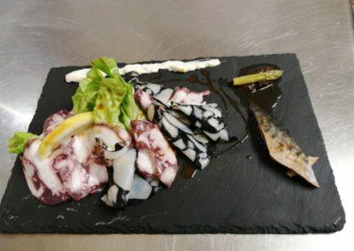 Plat maison poisson - La Forge Gourmande à Beaulieu, restaurant, pizzeria, traiteur, service traiteur, traiteur pour particulier, traiteur pour professionnel, événement, animation