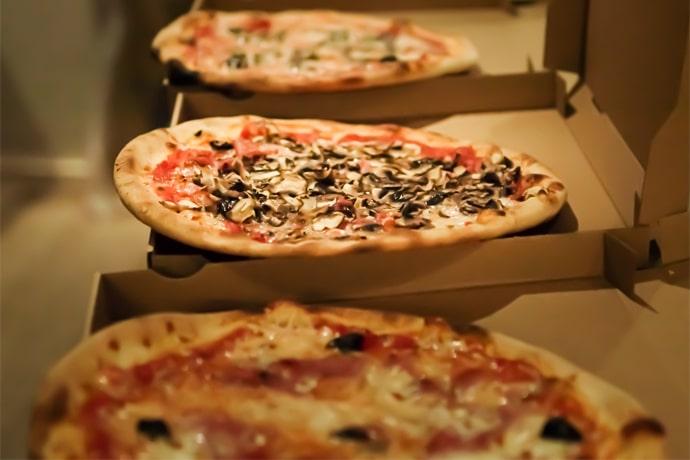 Pizzas - La Forge Gourmande à Beaulieu, restaurant, pizzeria, traiteur, service traiteur, traiteur pour particulier, traiteur pour professionnel, événement, animation