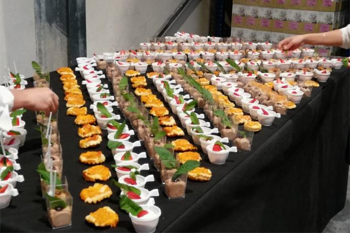 Assortiment verrines - La Forge Gourmande à Beaulieu, restaurant, pizzeria, traiteur, service traiteur, traiteur pour particulier, traiteur pour professionnel, événement, animation